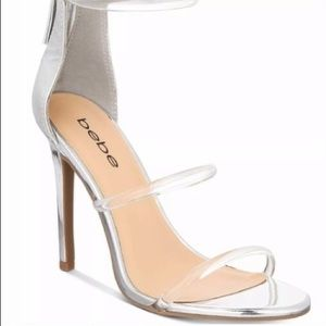 NWT Silver Stiletoe w/Clear Trendy Straps